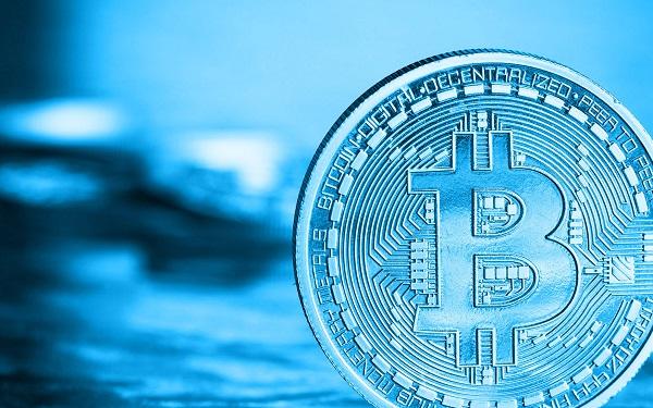 Alberto Muñoz Cabanes hablando sobre Bitcoin en Radio UNED